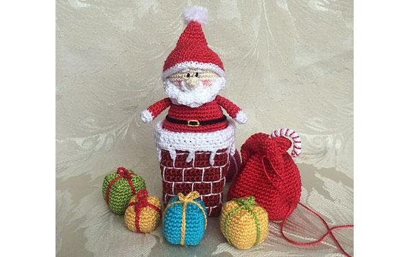Вязаная крючком игрушка. Санта с подарками. Описание