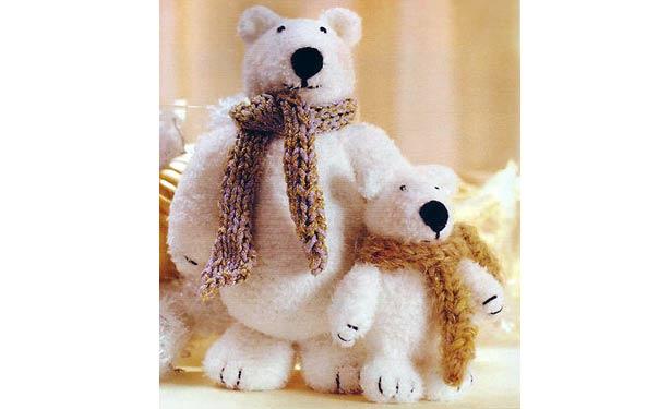 Вязаная крючком игрушка. Белые медведи. Описание