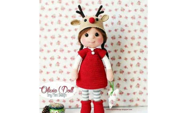 Вязаная крючком кукла в костюме оленя. Описание