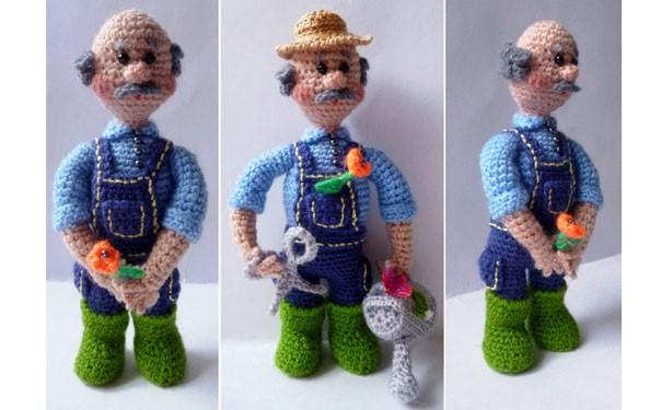 Вязаная крючком кукла. Садовник. Описание