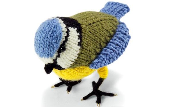 Вязаная птичка синичка. Описание