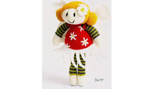Вязаная спицами кукла Ромашка. Описание