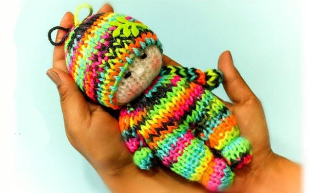 Куколка в ярком наряде. Вязание