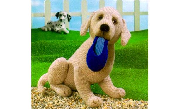 Вязаная собака лабрадор. Описание