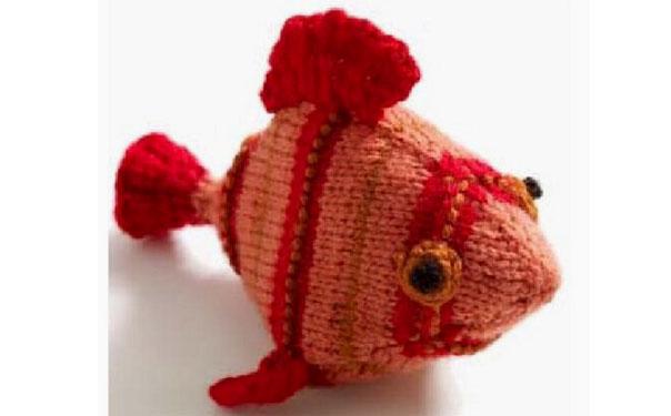 Вязаная спицами рыбка. Описание