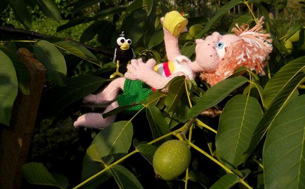 Вязаные кукла Сорванец и скворчонок. Описание