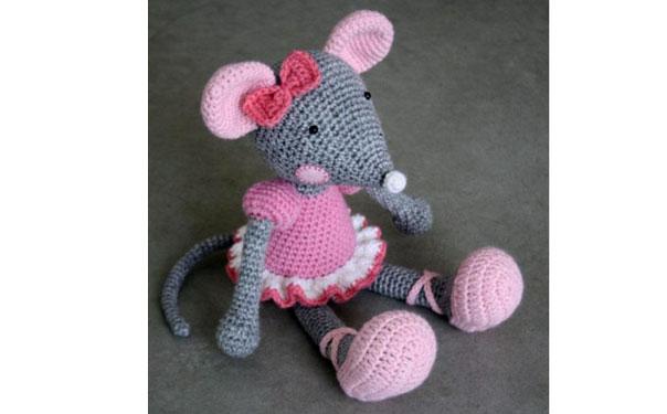 Вязаная мышка-балеринка. Схема