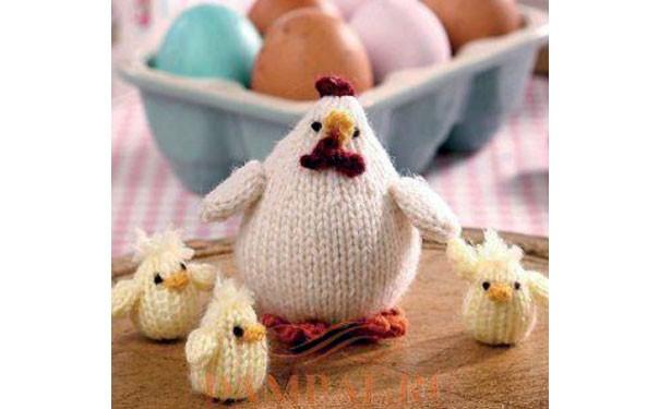 Вязаная курочка с цыплятами. Описание