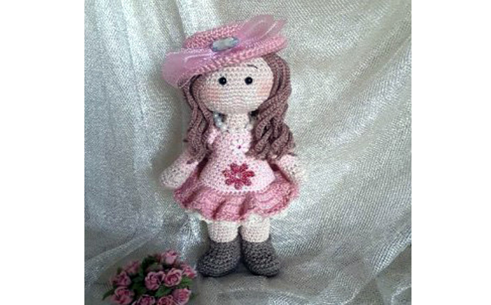 Вязаная кукла Розали