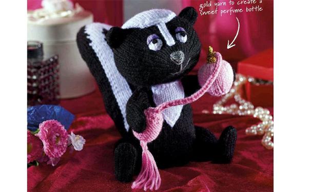 Вязаный спицами черный кот. Описание