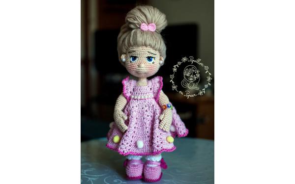 Вязаная крючком кукла Грета