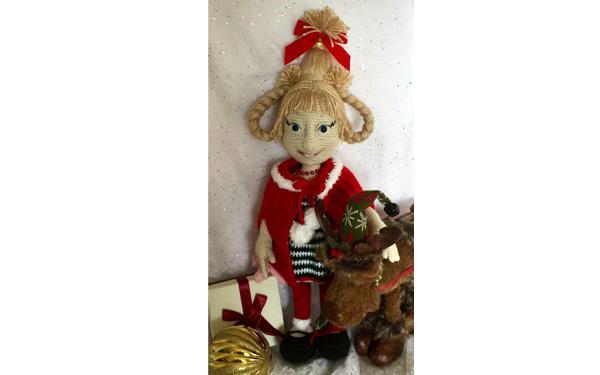 Вязаная кукла Сладость