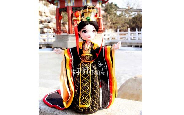 Вязаная китайская традиционная кукла