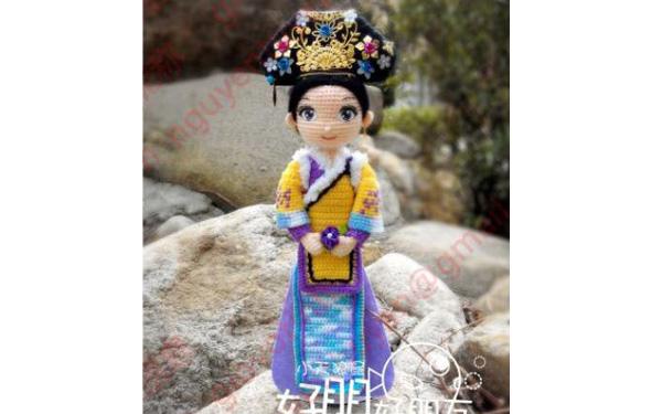 Вязаная китайская кукла-королева. Схема