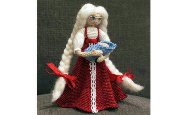Вязаная кукла Славяночка