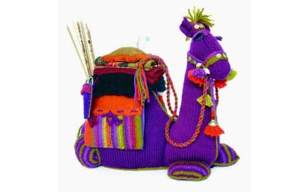 """Вязаный органайзер """"Верблюд"""" для рукодельницы"""