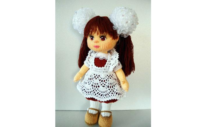 Вязаный крючком фартук для куклы. Схема