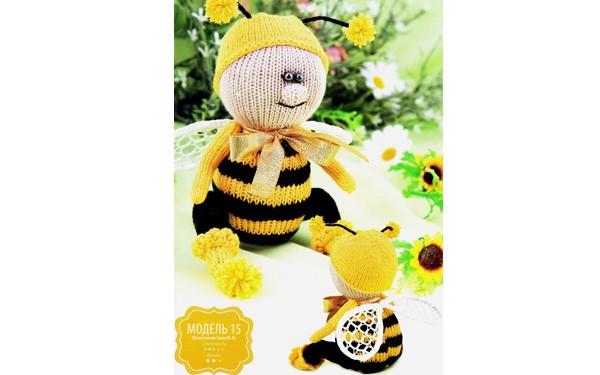 Вязаная спицами пчела Жужа. Описание