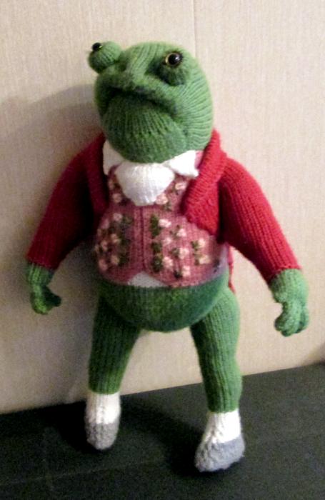 """Продам вязаную игрушку """"Лягушка Джереми Фишер"""""""