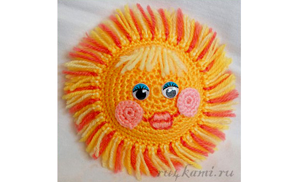 Вязаное веселое солнышко. Схема