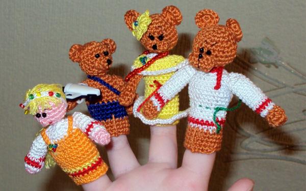 """Вязаный пальчиковый театр """"Три медведя"""""""