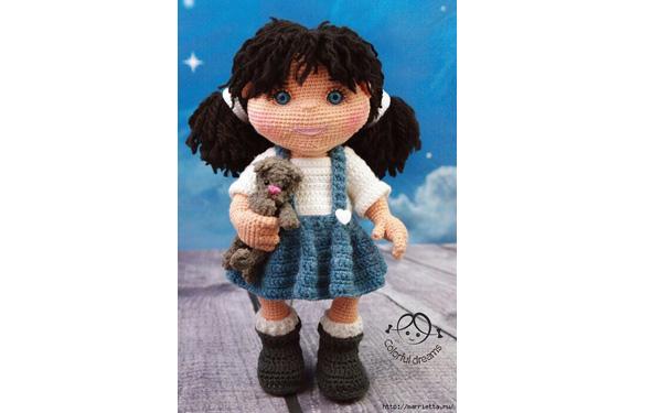 Вязаная кукла в голубой юбке. Схема