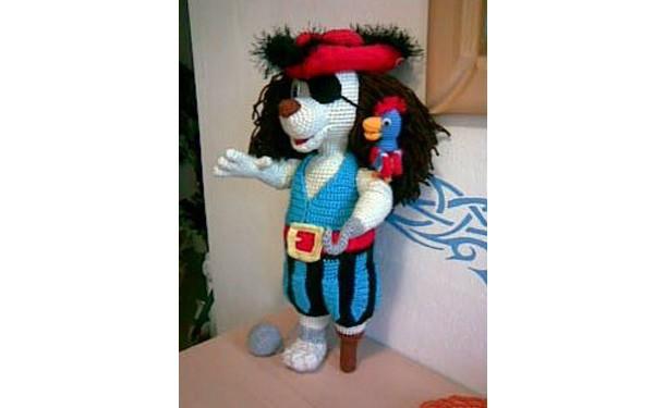 Вязаная крючком кукла Капитан Джек. Схема