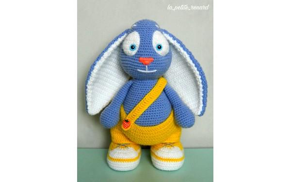 Вязаный голубой Весенний зайка