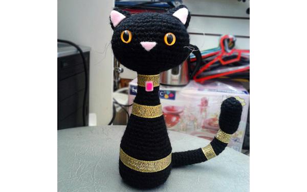 Вязаные кошки-статуэтки. Схема