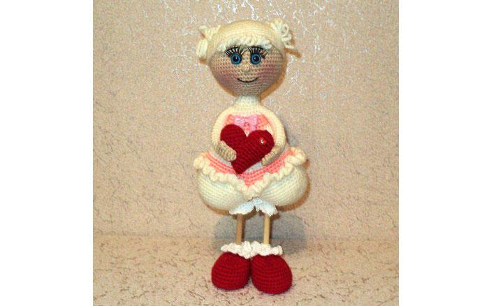 Вязаная кукла Сердечная девочка. Схема
