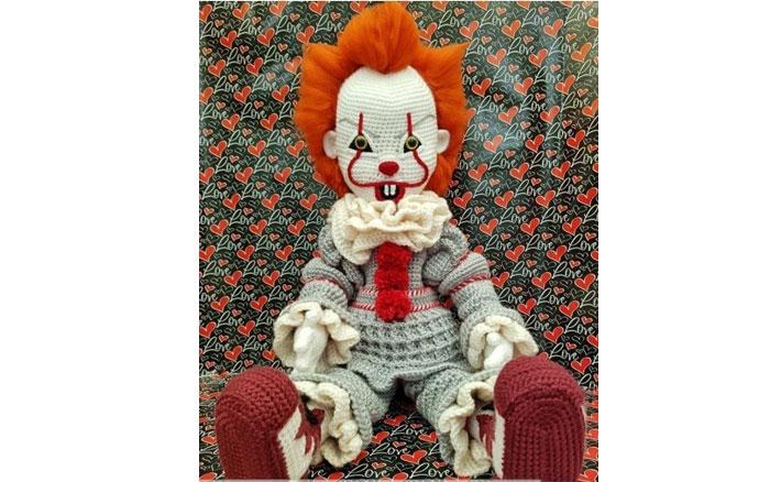 """Вязаная кукла """"Злой клоун"""". Схема"""
